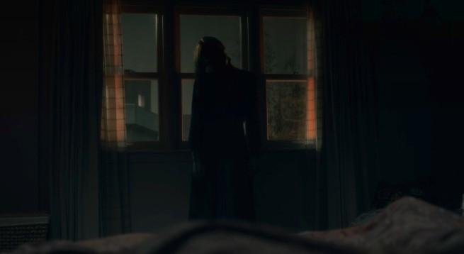 escena de la serie La maldición de Hill House