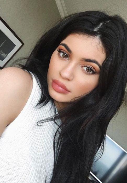 Kylie Jenner mostrando sus labios