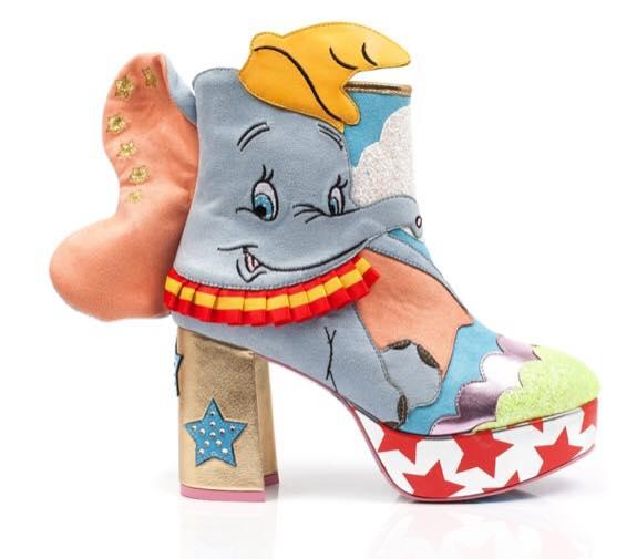 Botas altas con un Dumbo bordado