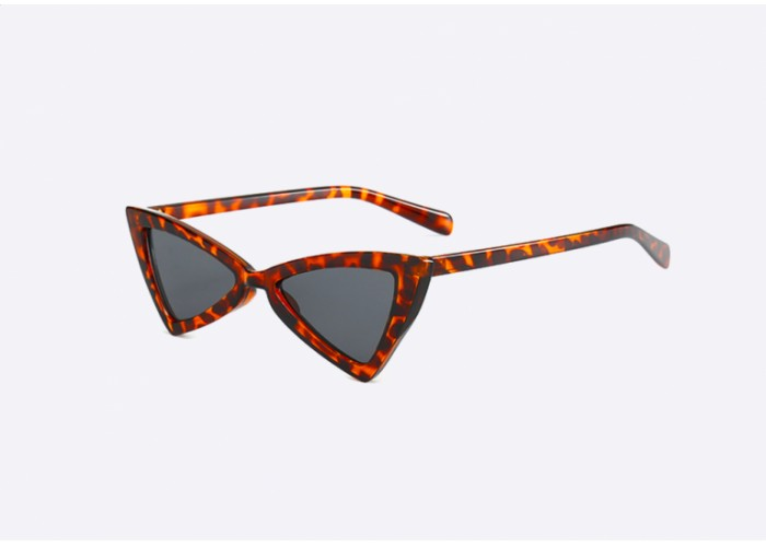 lentes de sol con textura de leopardo