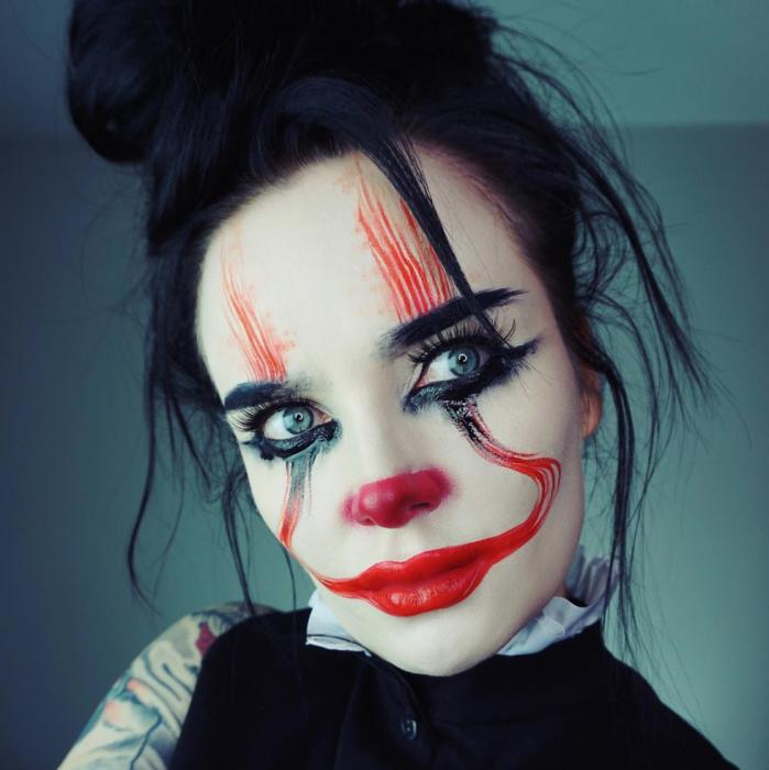 mujer payaso eso maquillaje
