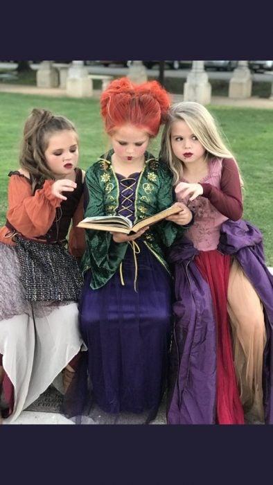 niñas con vestidos