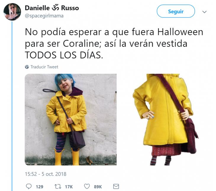 niña con traje de Coraline