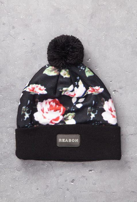 gorrito negro con impresion de flores