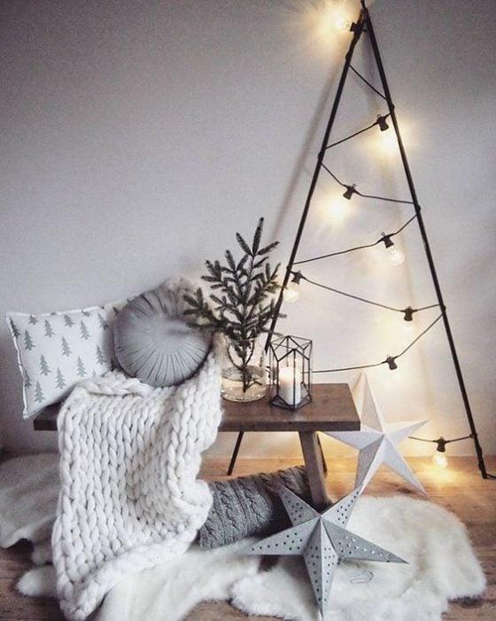 árbol de Navidad fabricado con luces