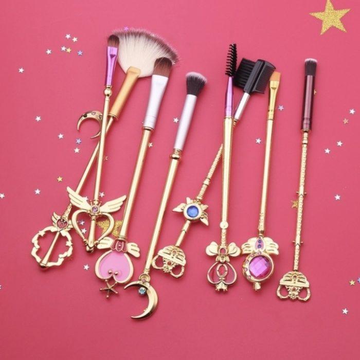 Brochas inspiradas en la caricatura de Sailor Moon