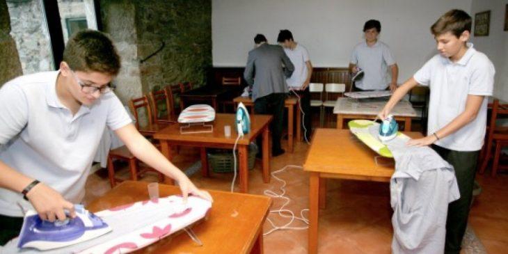 hombres en clases d eplanchado