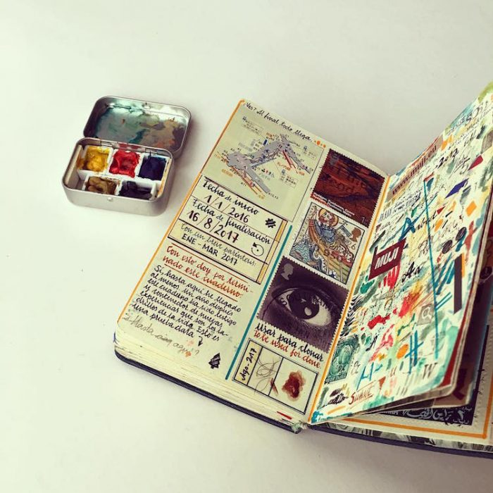 cuaderno con dibujos de viajes