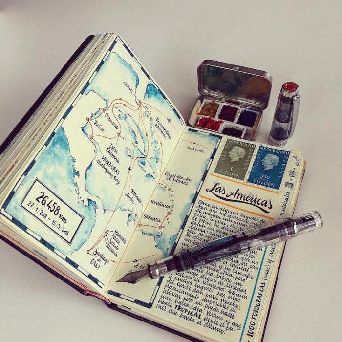 libreta coon un mapa dibujado