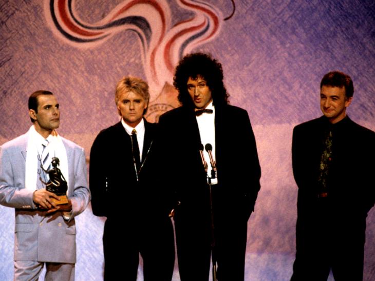 Queen en la presentación de los premios Brit