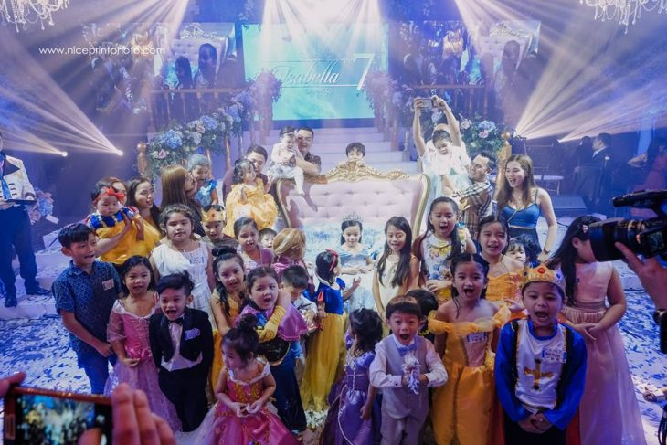 niños princesas y principes en fiestas