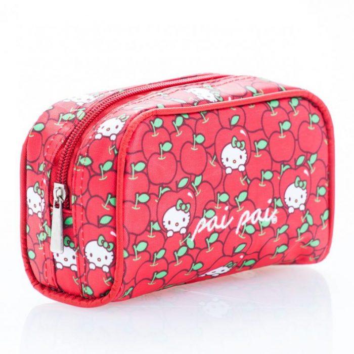 Cosmetiquera hecha en colaboración de pai pai y Hello Kitty