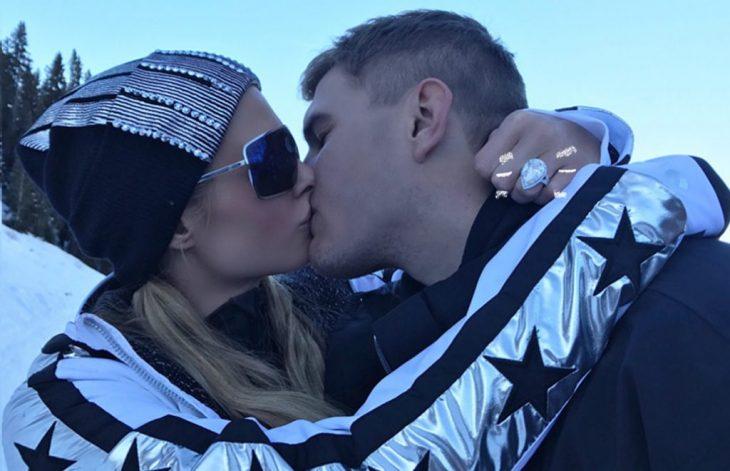 Paris Hilton el día de su compromiso de matrimonio