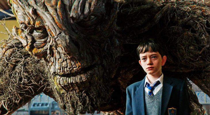escena de la película Un monstruo viene a verme