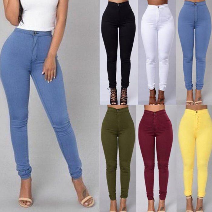 piernas de mujeres con pantalones a la cintura de colores