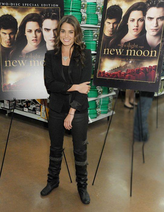 Nikki Reed en una presentación de discos de Twilight