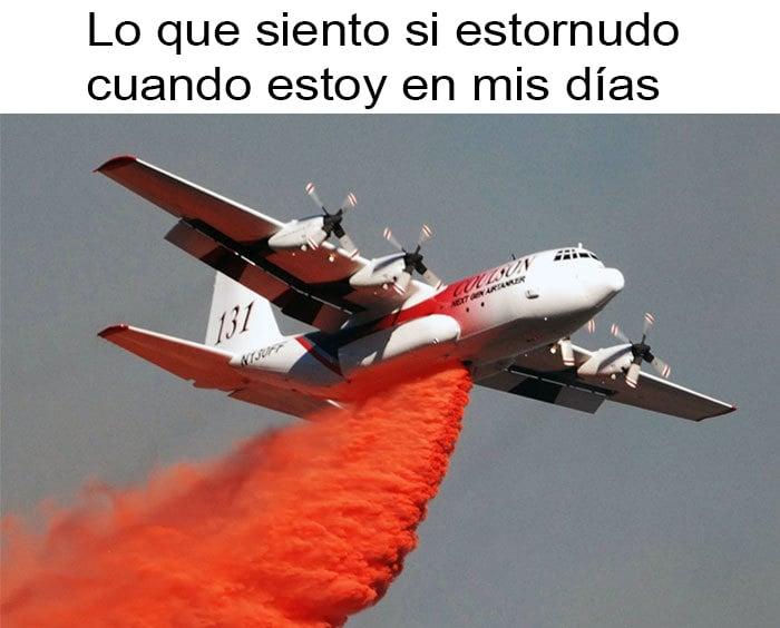 meme de avión con pintura roja