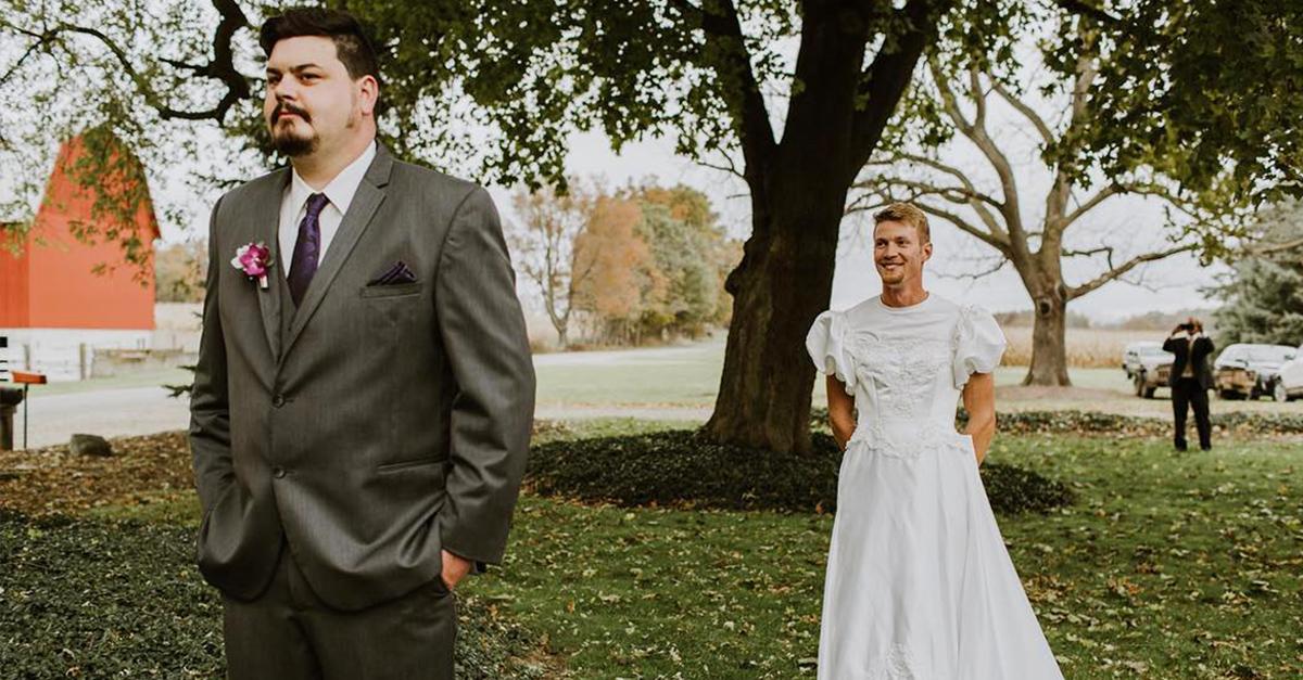 Este novio recibió una divertida sorpresa el día de su boda