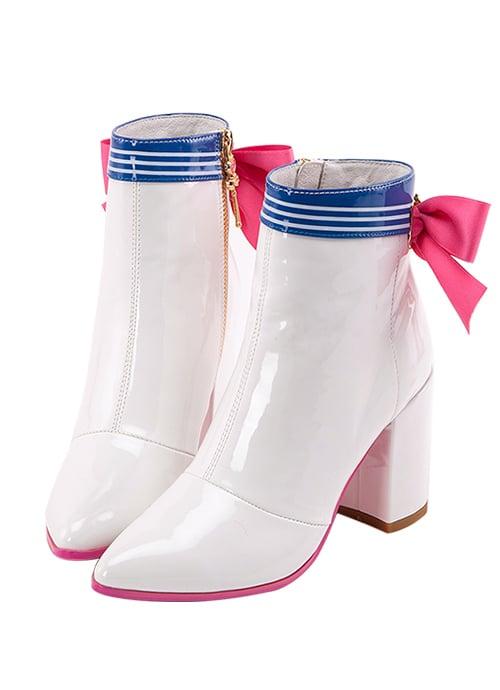 zapatos blancos de charol con tacón
