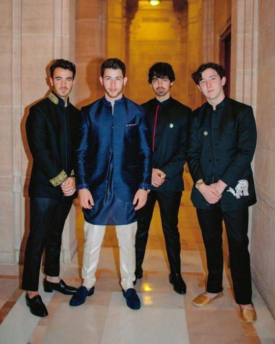 nick Jonas y sus hermanos el día de su boda
