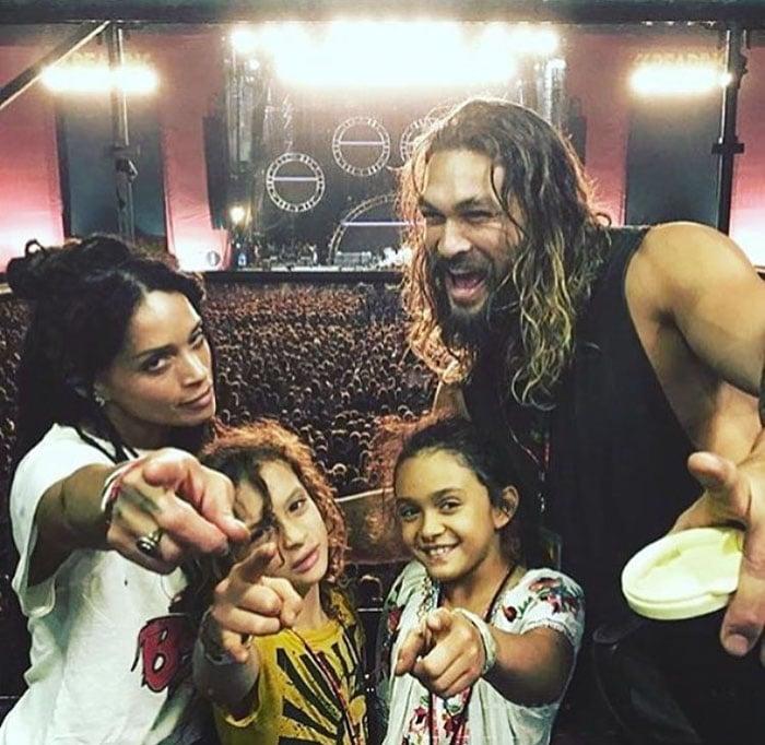 Lisa bonet junto a jason momoa y sus hijos