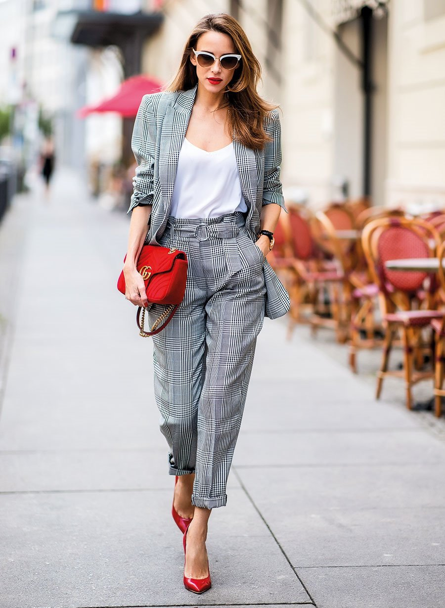 15 Outfits Con Pantalones De Tiro Alto Que Te Encantaran
