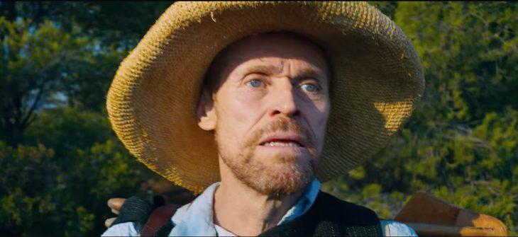 hombre con sombrero de paja
