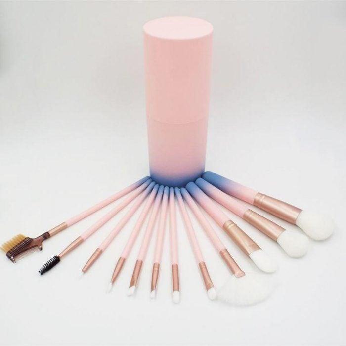 kit de brochas rosas con azul
