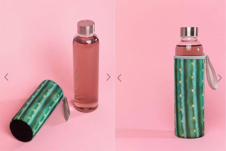 botella de plastico con funda de cactus
