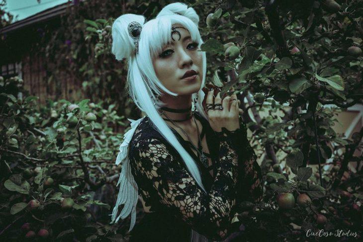 Chicas cosplayers disfrazadas de Sailor Scouts en versión gótica