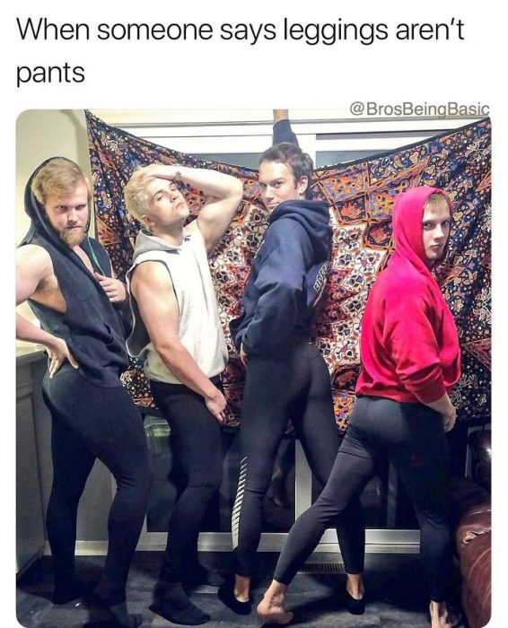 grupo de hombres imitando a mujeres