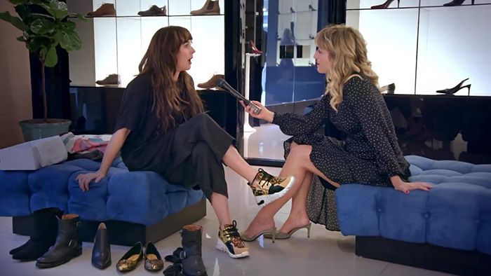Entrevista a la directora payless que hizo un experimento social en una zapatería