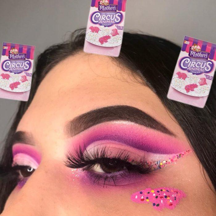 mujer con maquillaje de instagram dulce rosa