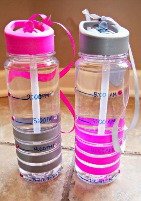 Termo con horario para sabe cuando debes tomar agua