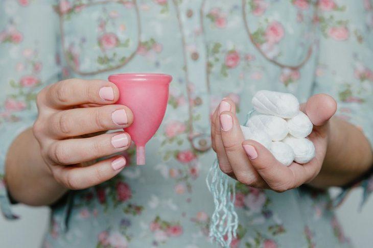 Los beneficios de la copa menstrual contra los tampones y toallas sanitarias