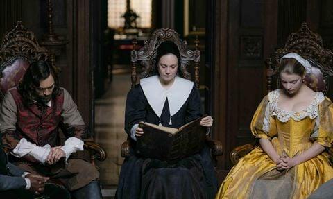 grupo de personas leyendo