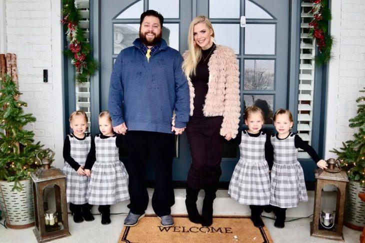 Pareja que tardó ocho años en ser padres y ahora tiene cuatro hijas