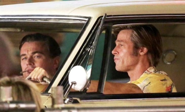 hombres conduciendo un automóvil