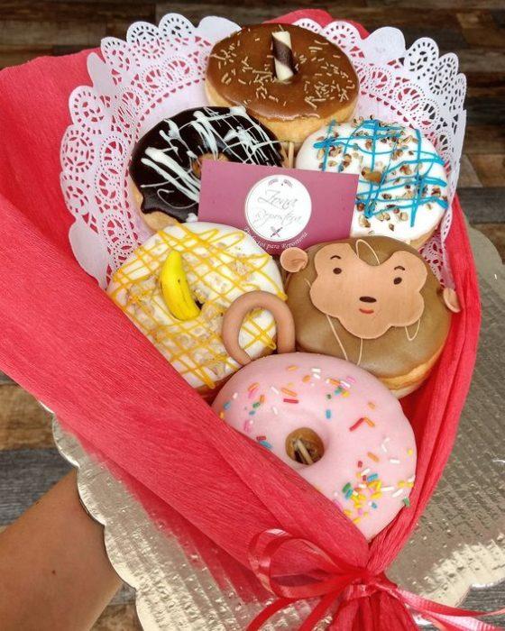 ramo con donas dulces
