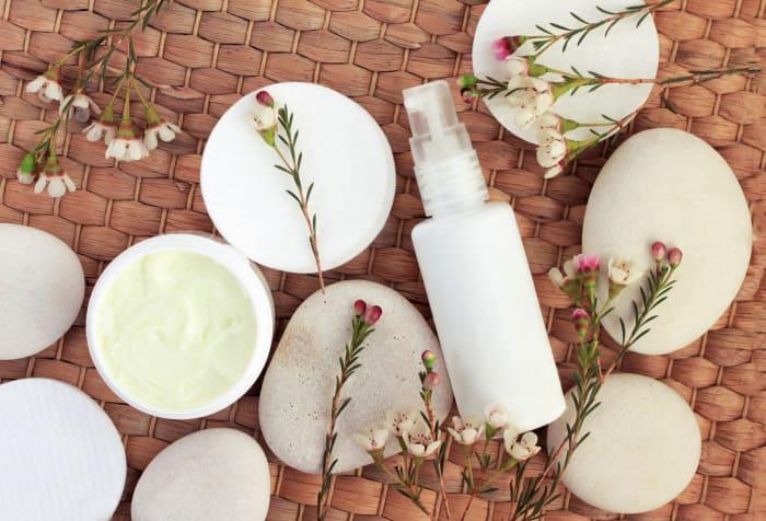 frasco con atomizador para la piel