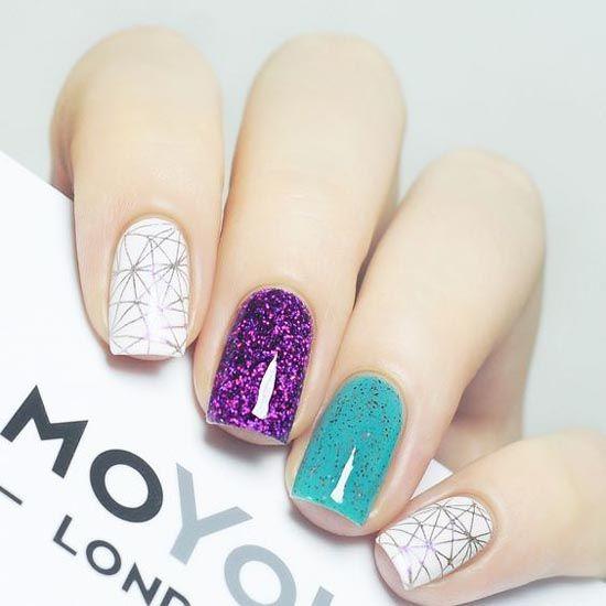 uñas de diferentes colores