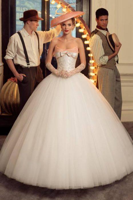 vestidos de novia inspirados en los años 40 – moda y estilo