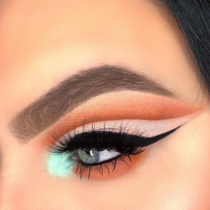 ojos verdes delineado negr