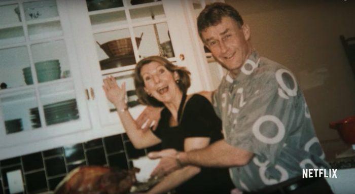 pareja de esposos cocinando