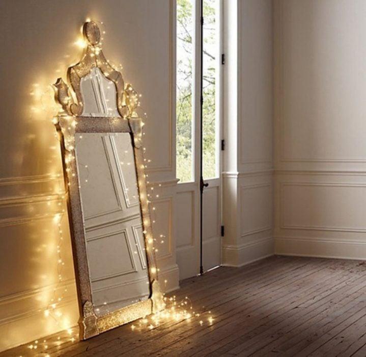 Espejo de completo con marco y luces