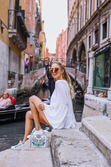 chica en Italia