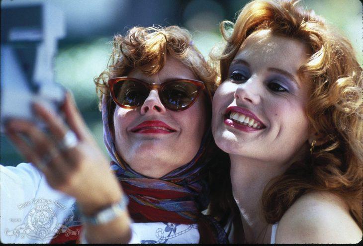 chicas tomando una selfie