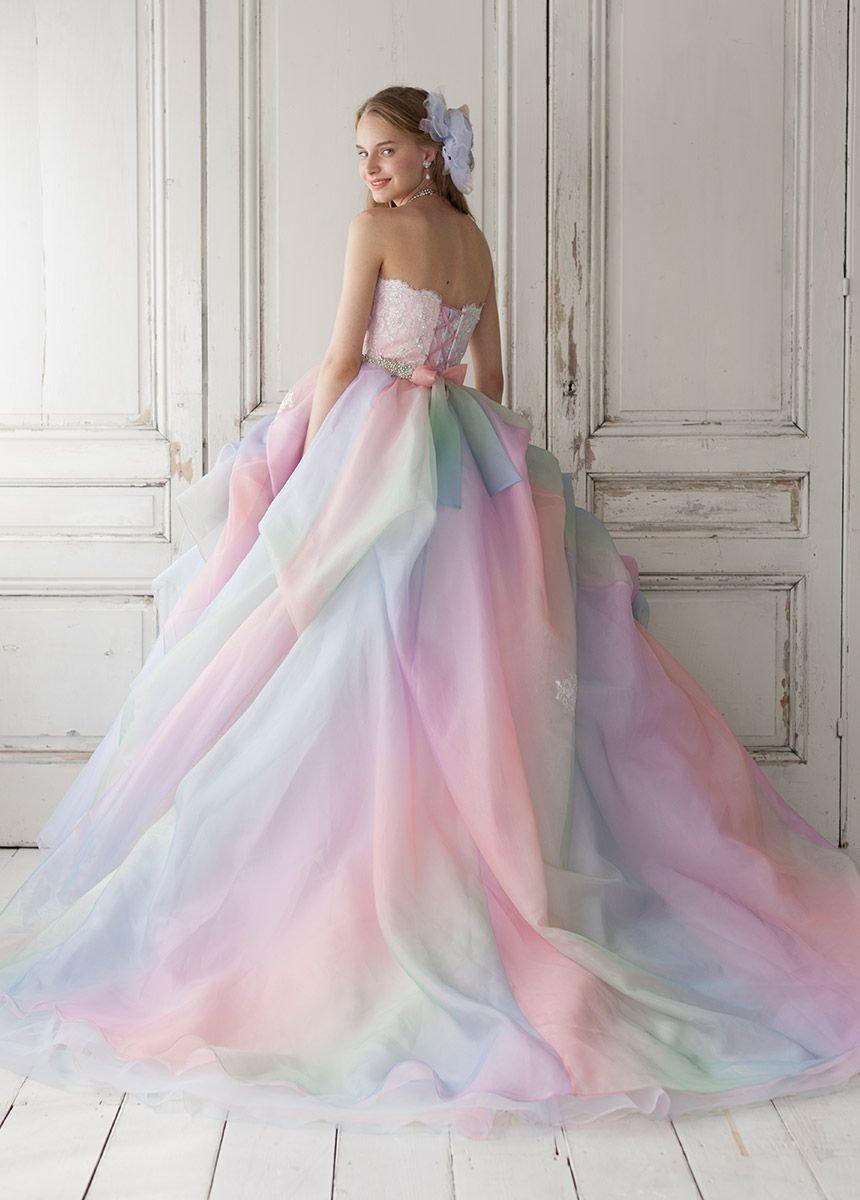 6fcb8e6ca Chica con vestido para XV años de corte princesa de colores pastel