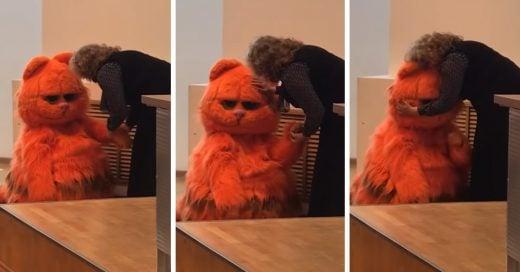 Alumno se disfraza de Garfield para ganarse el corazón de la maestra y puntos extra; ¡lo logra!