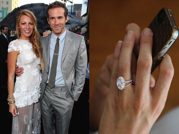 Blake Lively abrazando a su esposo Ryan Reynolds durante una alfombra roja y en la segunda imagen está sujetando su Iphone de funda café mientras enseña su anillo de compromiso